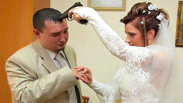 Предложение за год до свадьбы